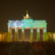 Brandenburger-Tor-Berlin-leuchtet-Lonicer